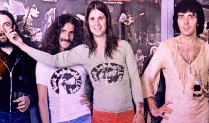 музыканты группы black sabbath в футболках 1974 год