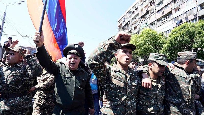 Армения военные и священники примыкают к протестующим   НОВОСТИ