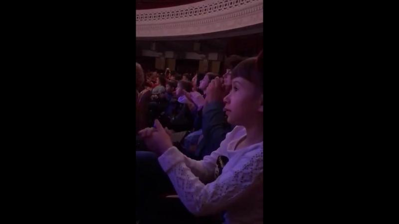 Маргарита Бородай на спектакле Волшебная лампа Аладдина в ЦДКЖ mp4