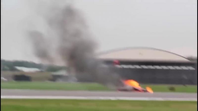 As colisoes mais incriveis durante show aereo Top 10