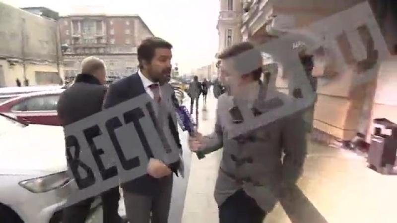 Представитель КПРФ вырвал микрофон у напавшего на него провокатора