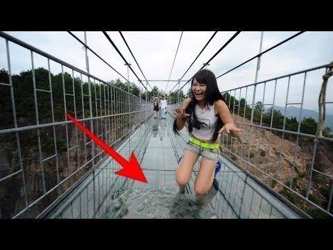 China Glass Bridge Crack Effect | East Taihang Mountain Glass Bridge