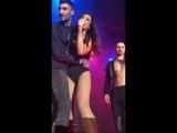 Ольга Бузова получила травму на концерте
