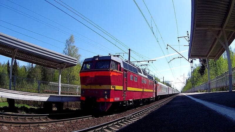 Электровоз ЧС2т-1016 с пассажирским