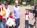 Как губернатор и мэр к детям ходили