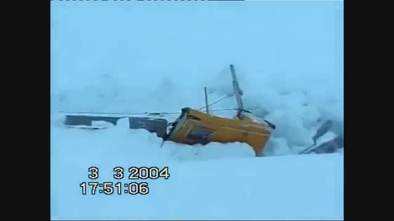 Арктика 2004. Вал торосов разрушает дрейфующую станцию. (оригинал видео: www.youtube.com/watch?v=znsYyR1NZnQfeature=sha