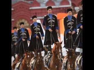 Кавалерийский почетный эскорт Президентского полка на