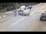 В Алуште водитель сбил велосипедистов.Вот что значит не внимательность.