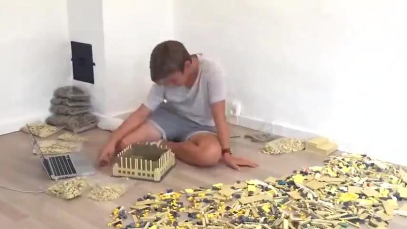 Биг Бен из 6000 кубиков Лего