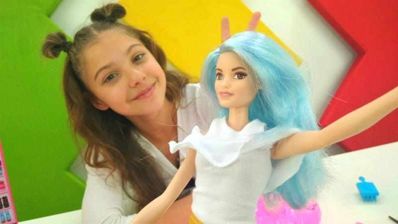 Barbie oyunları. Polen Barbieye Instagramda hesap açıyor