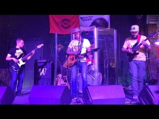 Бродячий рок-н-ролл в Badland Bar