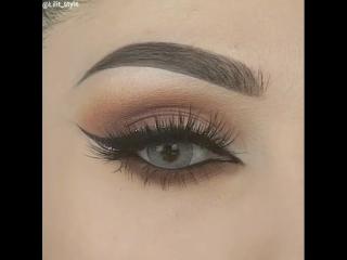 Идея выразительного макияжа