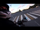 Красавица держалась до последнего Прокатил девушку на мотоцикле