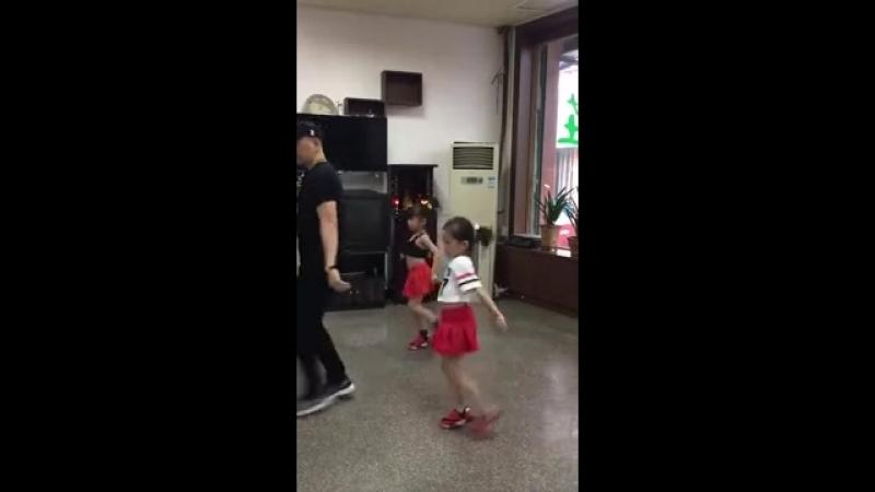 มีลูกสาวจะให้ไปเรียนเต้นแบบเนี้ย.__.mp4