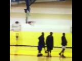 Drake и Tory Lanez играют в баскетбол