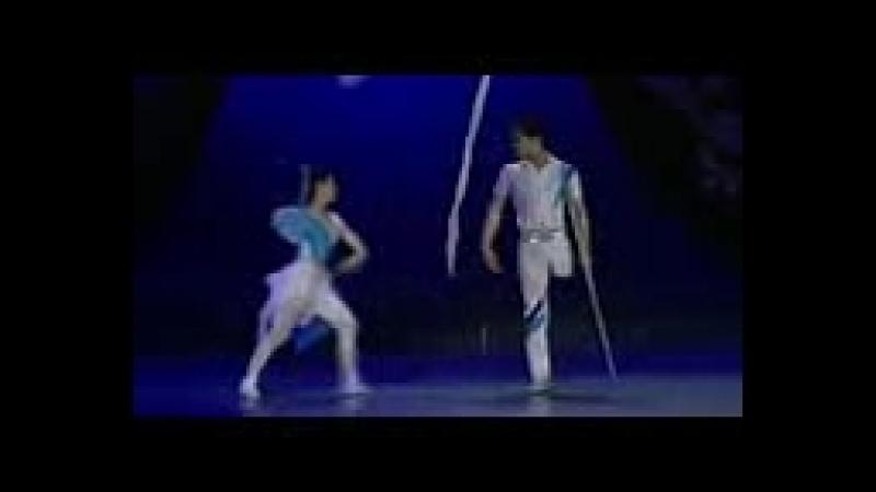 Китайские танцоры-инвалиды. Она без руки, он без ноги.3gp