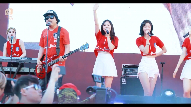 · Fancam · 180618 · OH MY GIRL (Hyojung focus) - The Shouts of Reds · Gyeonggi Cheering Event ·