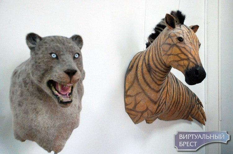 Суровая выставка чучел животных в Бресте