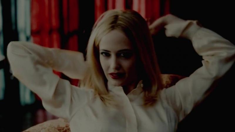 BLOODY MARY {Dark Shadows Angelique}