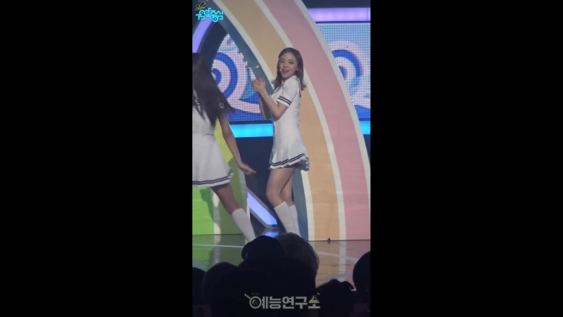 160806 Music Core| OH MY GIRL - Listen to my word (A-ing) [Fancam]