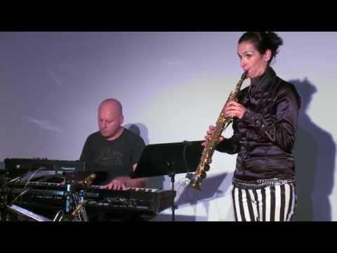 Angela Puxi meets Climatic feat. Ramesh Shotham - Abbracciami