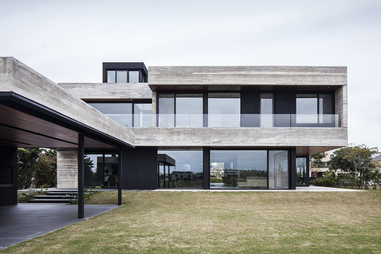 FSY House / Remy Arquitectos