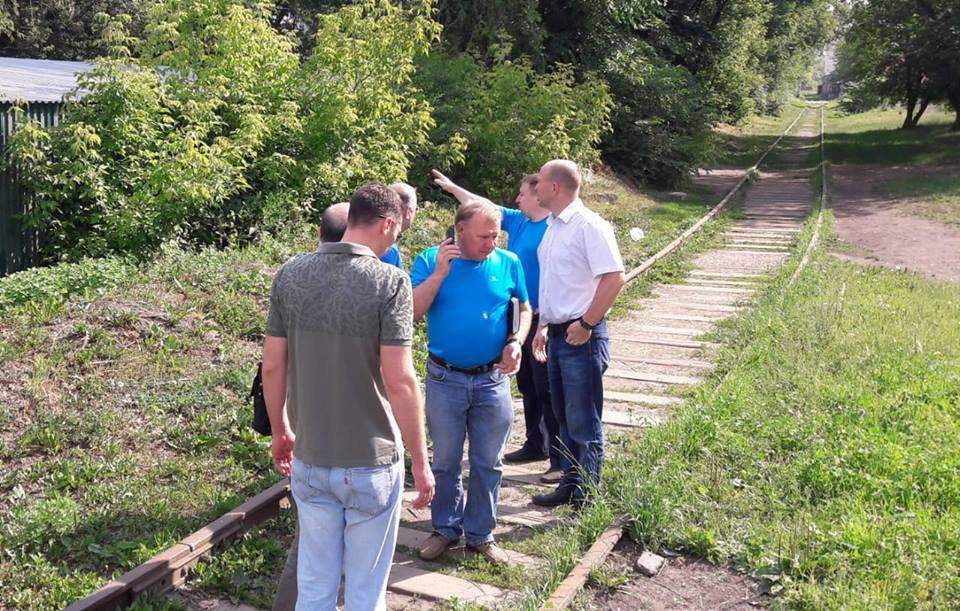Рабочие приведут в порядок территорию вдоль железнодорожных путей в Савеловском