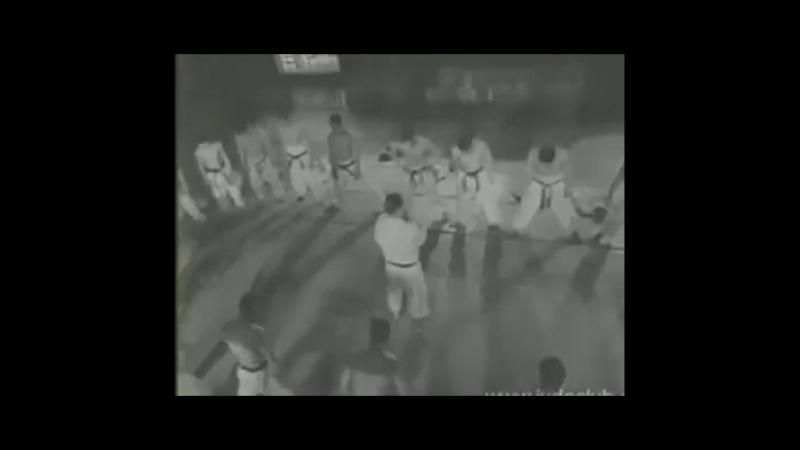Отличное старое видео традиционного тренинга по дзюдо
