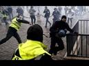 Власти Франции испугались митингующих и объявили мораторий на рост цен на топливо