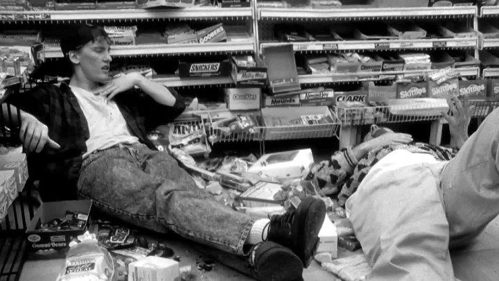 Клерки - Clerks (реж.Кевин Смит)[Clerks X Cut][1994, США, комедия, BDRip-AVC 1280x720p] VO(Яроцкий)(2.34Gb)