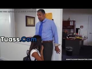 Office Daughter is a Slut Porno en Tuass.com