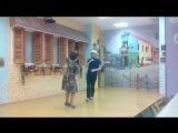 Танцуют под кубинскую музыку