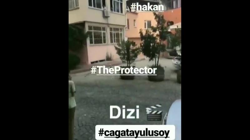 Чагатай Улусой на съемках сериала Защитник. 17 июля 2018