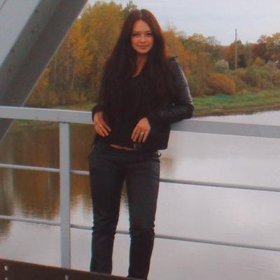Настёна Кузьмицкая