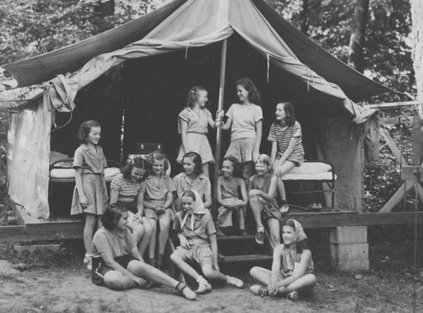 Тройное убийство в лагере скаутов