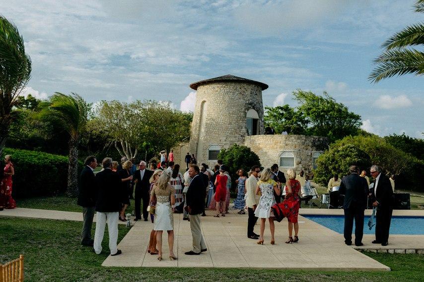 yhFU42pE9Lk - Как угодить всем гостям на свадьбе