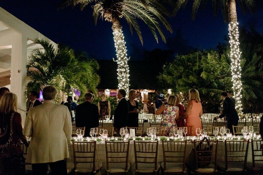 c5kIbBJyOWY - Как угодить всем гостям на свадьбе