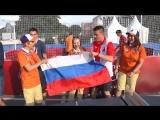 Иностранные болельщики отжигают на Флэтболе в Москве