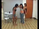 Garotas belly punching