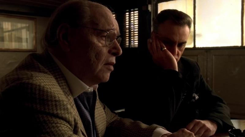 (Клан Сопрано S04E11_02) Тони на сходке в Нью-Йорке. Кармайн хочет долю с Зелмана.
