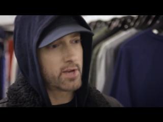 Eminem рассказывает о своих кроссовках, которые пожертвовал на аукцион [NR]