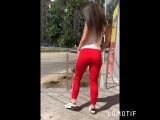 Красные брюки с лампасами и футболка a.m.n.