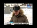 Нечистоты из уличного туалета вытекают на дорогу перед новостройкой в Иркутске
