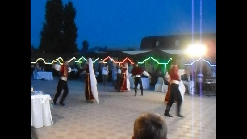 Необычная красивая мелодия звучит в танце крымских татар. » Freewka.com - Смотреть онлайн в хорощем качестве