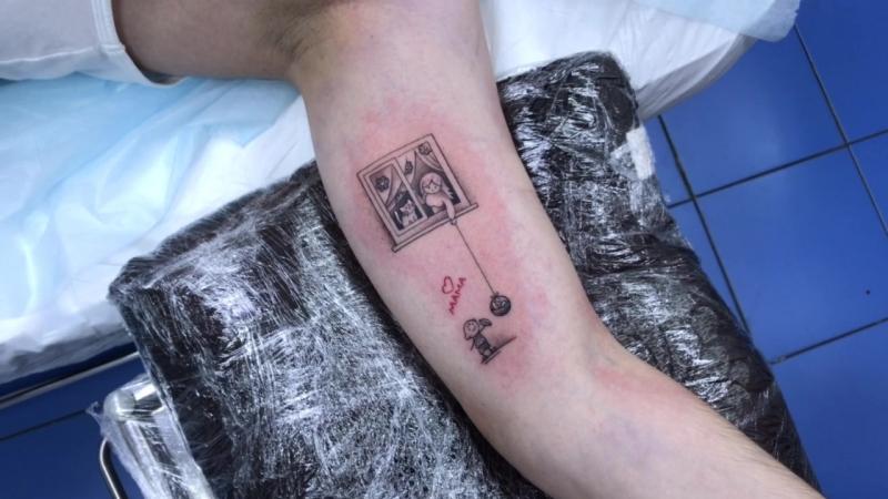 Тату мастер Катя Маслова graphic tattoo mom and son Тату салон Дом Элит Тату Tattoo Studio Moscow