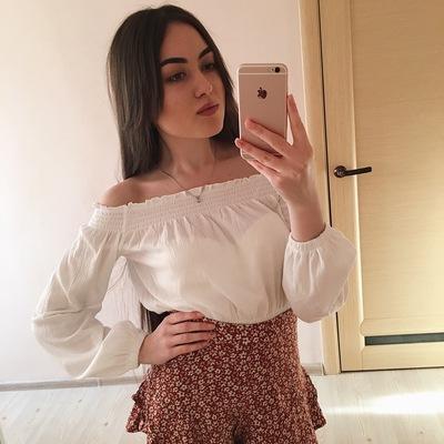 Аделина Полякова