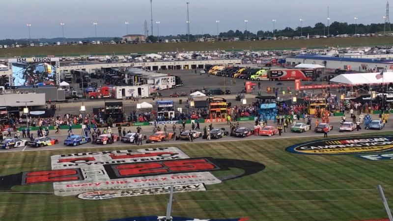 Запуск двигателей NASCAR Quacker State 400 2018