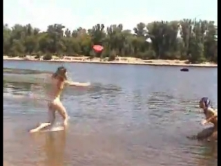 Нудистки, девочки на пляже