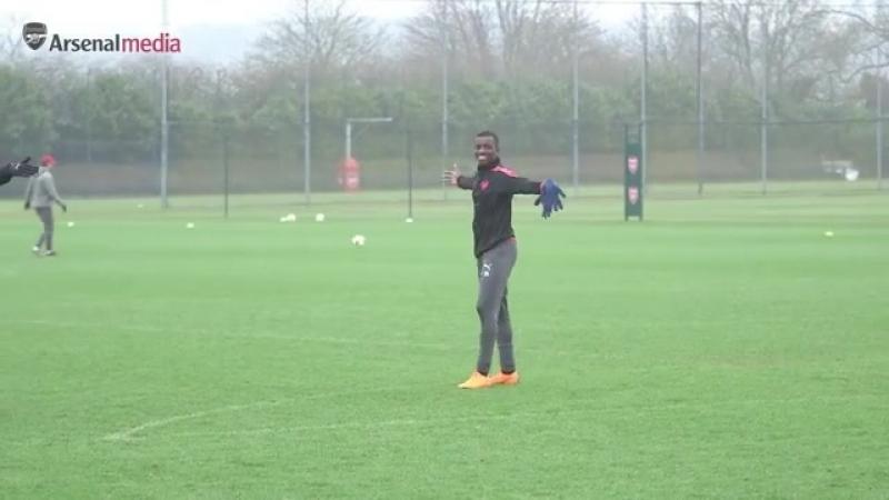 Crossbar Wenger Nelson Nketiah