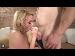 Maturenl – horny housewife lindsey doing her toyboy